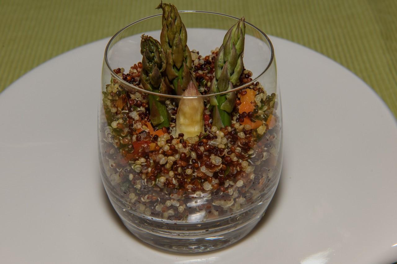 Quinoakräutersalat mit Spargel